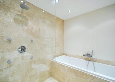 Geelong Frameless Shower Screen